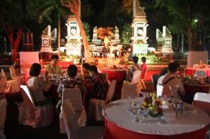 プルワカルタ県の夕食歓迎会