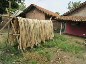 竹編みが地元産業の一つ