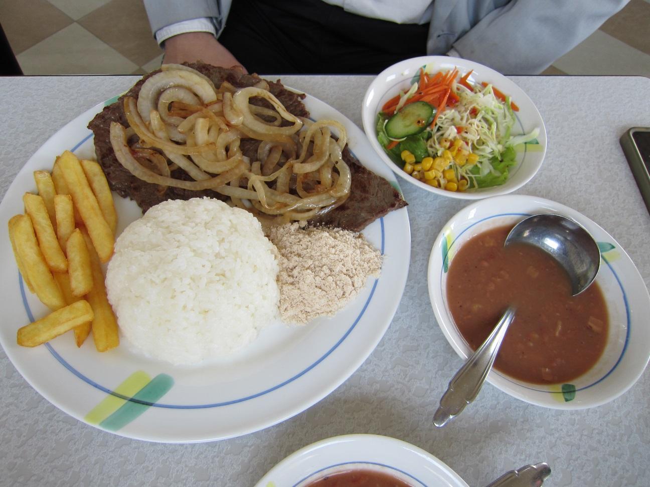 肉ベースのプレート料理はブラジル料理の定番