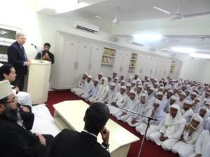 デリーのマドラサ(イスラム神学校)でGPFを紹介