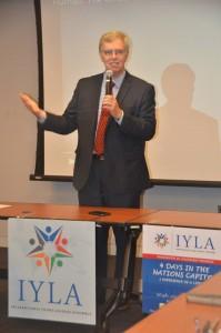 指導者として目標を持つことの大切さ話すジム・フリンGPF会長