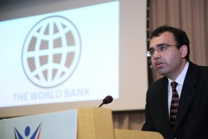 リーダーシップについて語るフィラルティーガ世界銀行ラテンアメリカ地域顧問