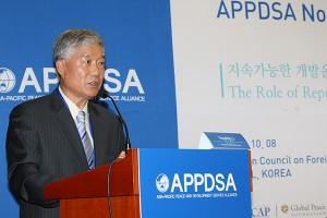アフリカアジア難民教育後援会会長のクォン・イジョン氏
