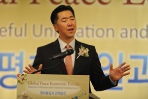 統一後の経済的機会について語るヒョンジン・P・ムンGPF理事長