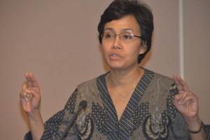 講演する世界銀行のスリ・ムルヤニ・インドラワティ専務理事は指導者が強い道徳を持つことが必要と訴えました。