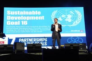 グローバルユースサミットの様子 青年リーダーによる発表