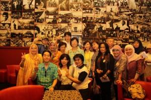 NEWSEUMにはスカルノ・インドネシア初代大統領の歴史的写真が並ぶ