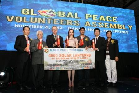 3,000台のソーラーLEDライトを寄贈することを宣言