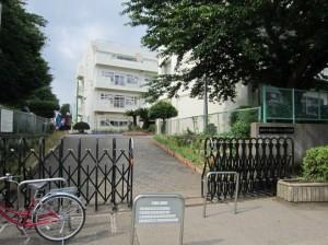 いちょう小学校から徒歩10分ほどに位置する飯田北いちょう小学校