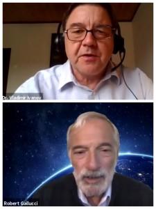 北東アジアにおける安全保障に関するフォーラムで語るブラディミール・イバンボブ博士(上)とロバート・グルッチ博士